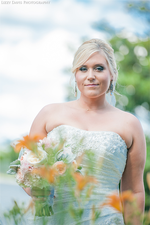 Bridal portraits by wedding photographer Lizzy Davis.